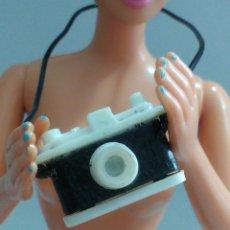 Barbie y Ken: ACCESORIOS Y COMPLEMENTOS BARBIE CÁMARA FOTOS . Lote 135626458