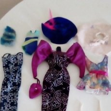 Barbie y Ken: LOTE DE POSIBLES VESTIDOS DE BARBIE 2 CON ETIQUETA BARBIE GENUINE. Lote 136134678