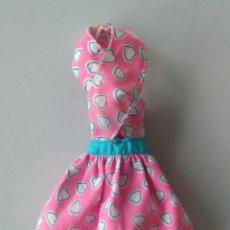 Barbie y Ken: VESTIDO BARBIE AÑOS 90. Lote 136172565
