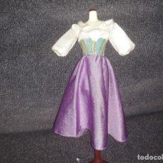 Barbie y Ken: VESTIDO DISNEY ESMERALDA CLASICO. Lote 137360306
