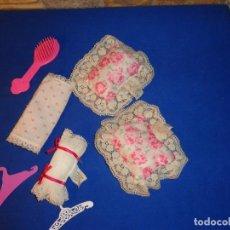 Barbie y Ken: ACCESORIOS BARBIE CONGOST PERCHAS, PEINE ALMOHADAS VER FOTOS! SM. Lote 137521542