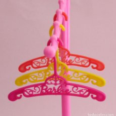 Barbie y Ken: ACCESORIOS Y COMPLEMENTOS BARBIE PERCHAS. Lote 139129410