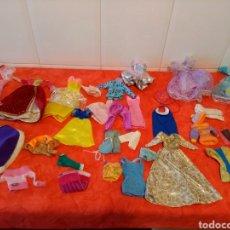 Barbie y Ken: LOTE DE ROPA PARA MUÑECA BARBIE. Lote 139837916