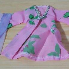 Barbie y Ken: == P07 - BONITA BATA DE LA BARBIE. Lote 140205622