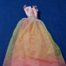 Barbie y Ken: == P14 - BONITO VESTIDO DE LA BARBIE. Lote 140209502