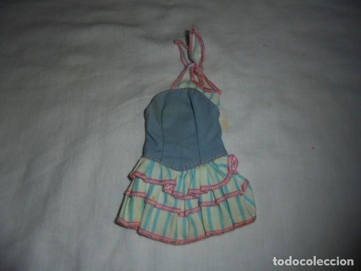 BARBIE VESTIDO VAQUERO AÑOS 80.ETIQUETA DISEÑO ORIGINAL BARBIE NECESITA LAVADO (Juguetes - Muñeca Extranjera Moderna - Barbie y Ken - Vestidos y Accesorios)
