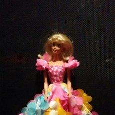 Barbie y Ken: VESTIDO BARBIE FLORES MAGICAS BLOSSOM BEAUTY MARIPOSAS. Lote 143940377