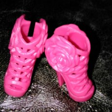Barbie y Ken: ZAPATOS BARBIE FASHIONISTAS ROSAS. Lote 144385889