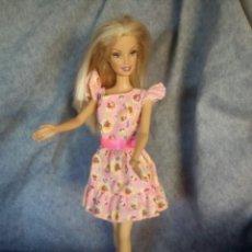 Barbie y Ken: PARA MUÑECA SINDY O BARBIE VESTIDO ANTIGUO DE LOS 80-90. Lote 145845642