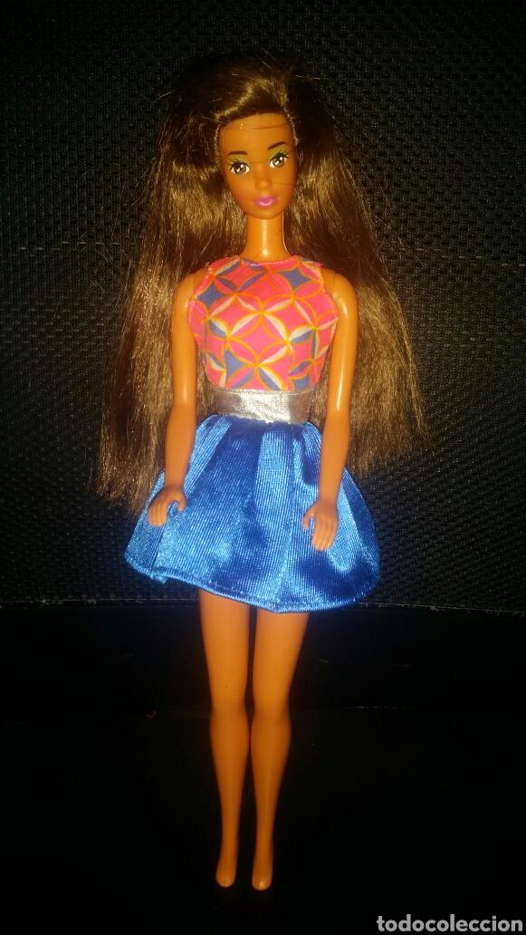 VESTIDO MUÑECA BARBIE DE UN BLISTER (Juguetes - Muñeca Extranjera Moderna - Barbie y Ken - Vestidos y Accesorios)