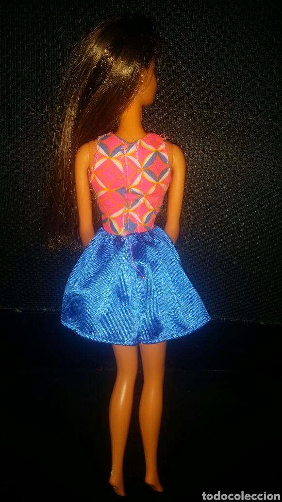 Barbie y Ken: Vestido muñeca Barbie de un blister - Foto 2 - 149413745