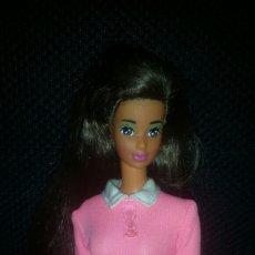 Barbie y Ken: CAMISETA ROSA DE BARBIE. Lote 152067016