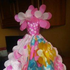 Barbie y Ken: VESTIDO DE MUÑECA BARBIE FLORES MAGICAS. Lote 153623180