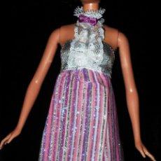 Barbie y Ken: VESTIDO ORIGINAL MUÑECA BARBIE FASHIONISTA MATTEL 2009. Lote 155522162