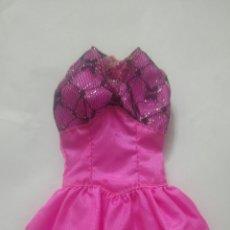 Barbie y Ken: VESTIDO MUÑECA BARBIE. FIESTA. FUSCIA. Lote 155535845