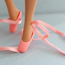 Barbie y Ken: ZAPATILLAS BARBIE BALLET. Lote 155905154