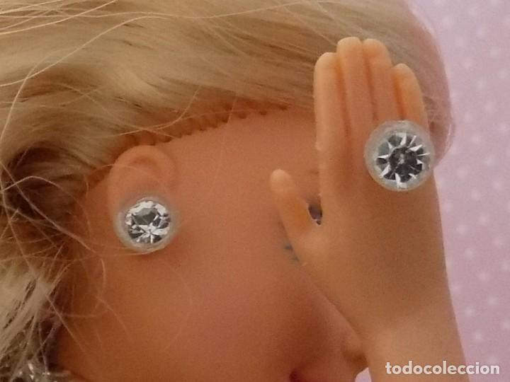 PENDIENTES Y ANILLO , NO ORIGINALES PARA BARBIE VINTAGE (Juguetes - Muñeca Extranjera Moderna - Barbie y Ken - Vestidos y Accesorios)