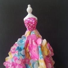 Barbie y Ken: VESTIDO BARBIE FLORES MÁGICAS. Lote 158588990