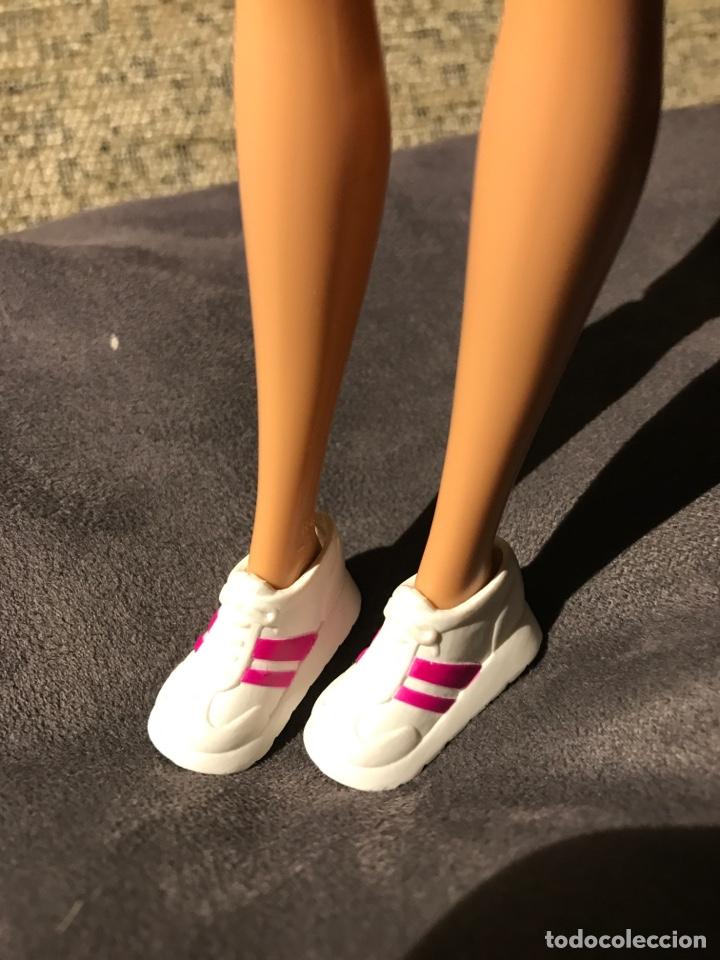 DEPORTIVAS BAMBAS DE BARBIE (Juguetes - Muñeca Extranjera Moderna - Barbie y Ken - Vestidos y Accesorios)