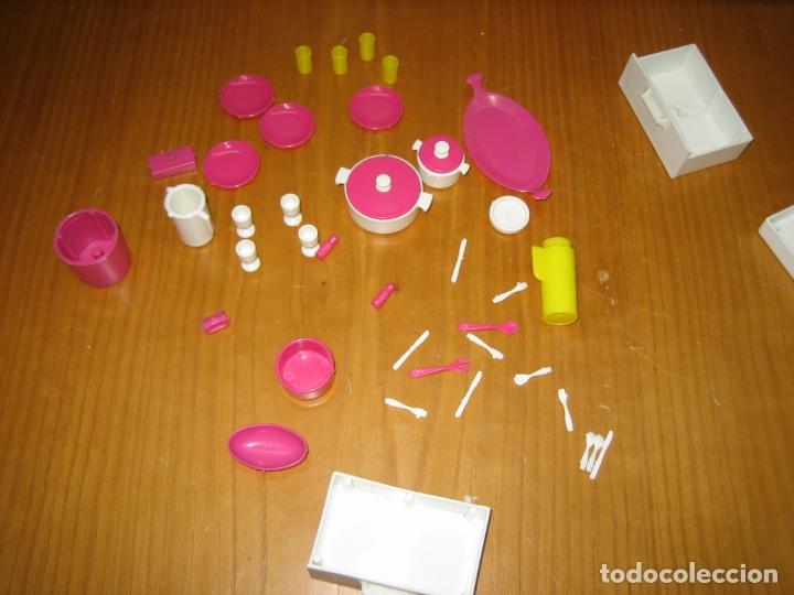 Barbie y Ken: Antiguo mueble aparador de muñeca Barbie años 70 o 80 - Foto 7 - 163482434
