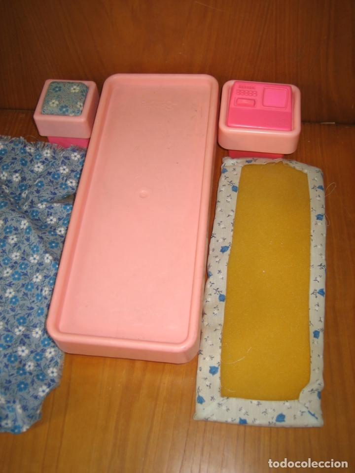 Barbie y Ken: Antigua cama para muñeca Barbie - Foto 4 - 167671892