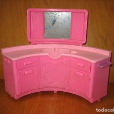 Barbie y Ken: ANTIGUOS MUEBLES TOCADOR PARA MUÑECA BARBIE. Lote 167673516