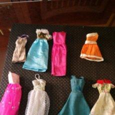 Barbie y Ken: 8 VESTIDOS BARBIE. 3 PARECEN MANUFACTURADOS. (2). Lote 171005392