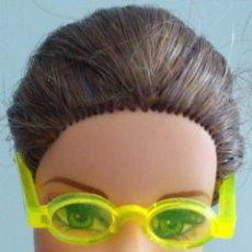 Barbie y Ken: BARBIE GAFAS . Lote 171792933