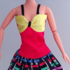 Barbie y Ken: BARBIE VESTIDO CORTO. Lote 172030948