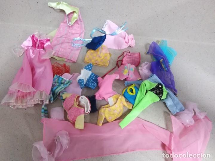 Barbie y Ken: Lote Barbie y ropas antiguas - Foto 3 - 172328402