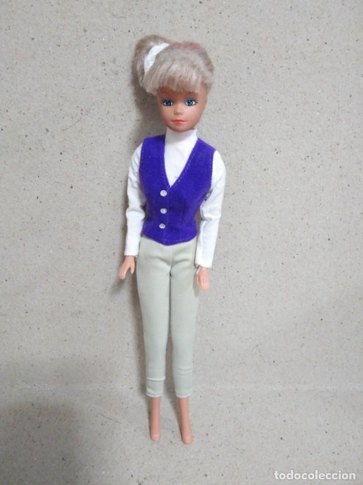 Barbie y Ken: Lote Barbie y ropas antiguas - Foto 12 - 172328402