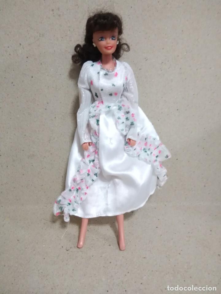 Barbie y Ken: Lote Barbie y ropas antiguas - Foto 16 - 172328402
