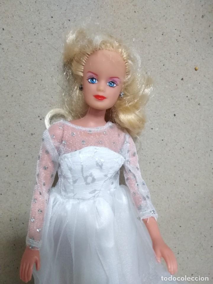 Barbie y Ken: Lote Barbie y ropas antiguas - Foto 20 - 172328402