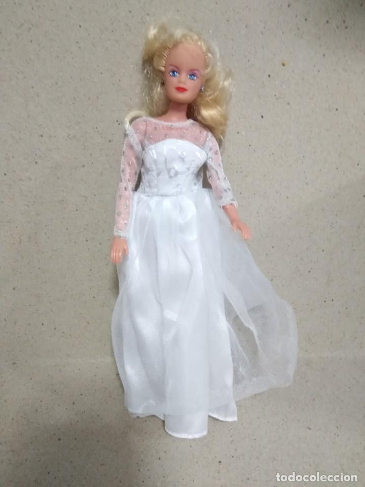 Barbie y Ken: Lote Barbie y ropas antiguas - Foto 21 - 172328402