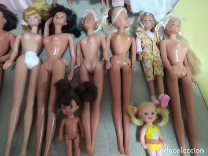 Barbie y Ken: Lote Barbie y ropas antiguas - Foto 23 - 172328402