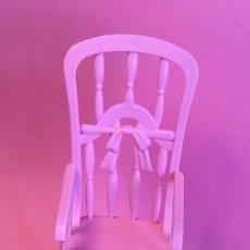 Barbie y Ken: MECEDORA ROSA DE BARBIE. Lote 172958543