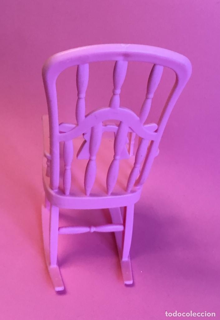 Barbie y Ken: Mecedora rosa de Barbie - Foto 2 - 172958543
