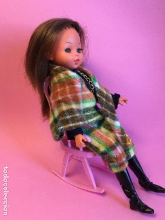Barbie y Ken: Mecedora rosa de Barbie - Foto 4 - 172958543