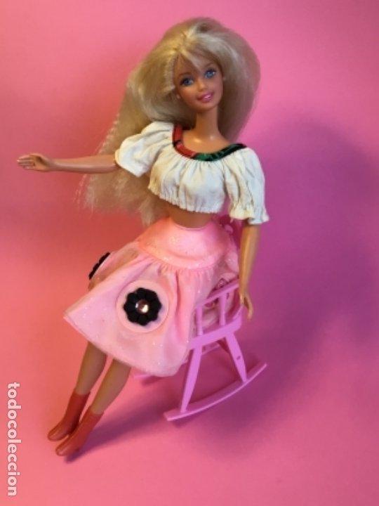 Barbie y Ken: Mecedora rosa de Barbie - Foto 5 - 172958543