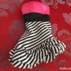 Barbie y Ken: BARBIE VESTIDO ACTUAL. Lote 173795290