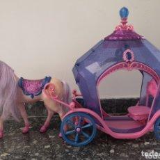 Barbie y Ken: CARROZA CON CABALLO BARBIE. Lote 173805114