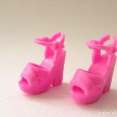 Barbie y Ken: BARBIE MATTEL FASHONISTA Nº 82 CHIC IN CHAMBRAY FASHIONISTAS ZAPATOS NUEVOS. Lote 176437957