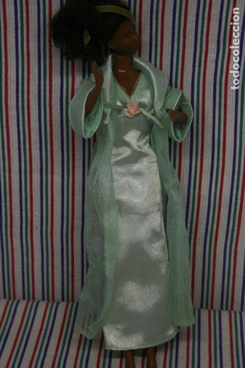 BARBIE , CAMISON Y BATA (Juguetes - Muñeca Extranjera Moderna - Barbie y Ken - Vestidos y Accesorios)