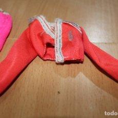 Barbie y Ken: LOTE VESTIDOS MUÑECA BARBIE . Lote 180247332