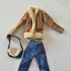Barbie y Ken: ROPA MUÑECA MY SCENE CHELSEA CONJUNTO JEANS, CHAQUETA. BOLSO. Lote 182450680
