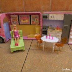 Barbie y Ken: AUTOCARAVANA DE LA BARBIE CON MUÑECA Y COMPLEMENTOS . Lote 184299312