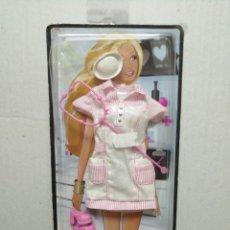 Barbie y Ken: VESTIDOS Y ASSESORIOS BARBIE ENFERMERA MATTEL 2009. Lote 184319353