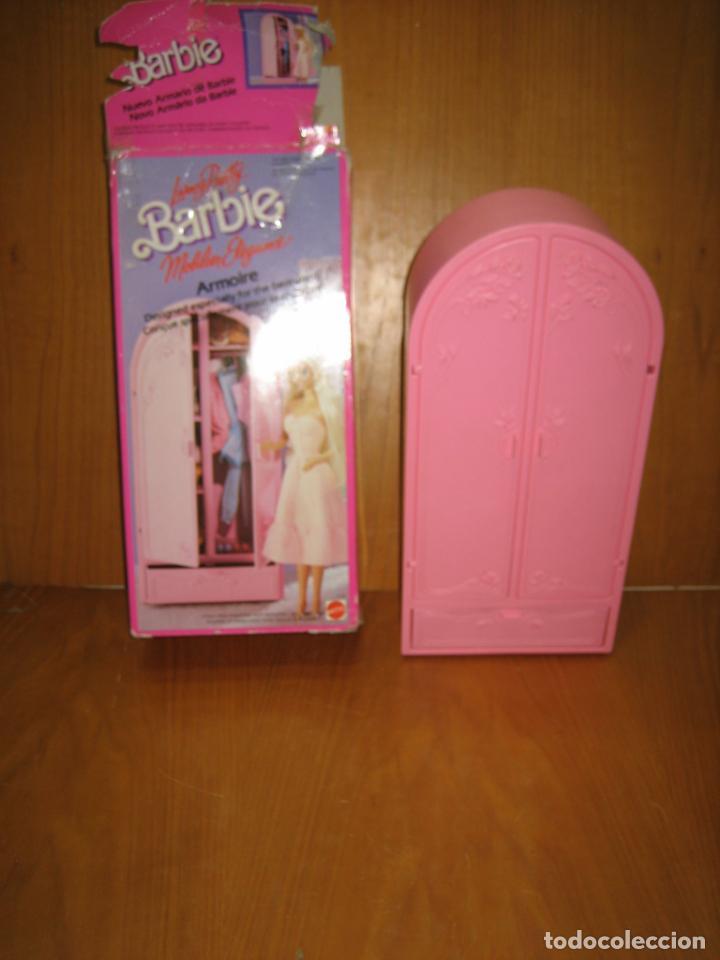 ANTIGUO ARMARIO DE MUÑECA BARBIE (Juguetes - Muñeca Extranjera Moderna - Barbie y Ken - Vestidos y Accesorios)