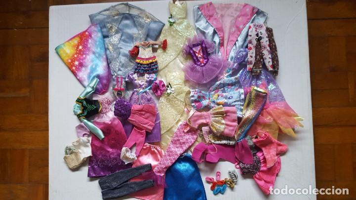LOTE DE VESTIDOS PARA MUÑECAS BARBIE, DISNEY Y SIMILAR (Juguetes - Muñeca Extranjera Moderna - Barbie y Ken - Vestidos y Accesorios)