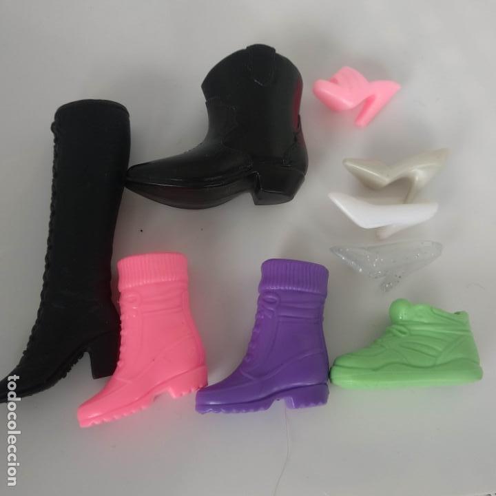 LOTE DE 9 BOTAS ZAPATOS SUELTAS (Juguetes - Muñeca Extranjera Moderna - Barbie y Ken - Vestidos y Accesorios)